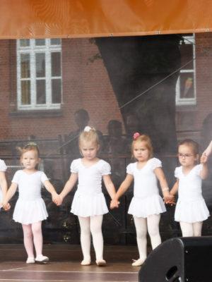 2017 08 Ballett Altstadtfest Fallersleben 008