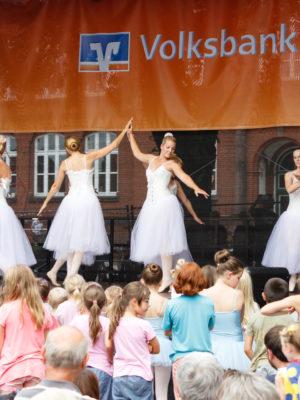 2017 08 Ballett Altstadtfest Fallersleben 035